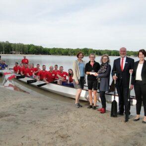 Kultur-und Sozialstiftung der Sparkasse Gifhorn-Wolfsburg und Crowdfunding-Plattform helfen Drachenbootgemeinschaft Tankumsee