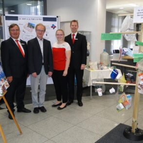 Ausstellung über Plastikmüll in zwei Sparkassenfilialen